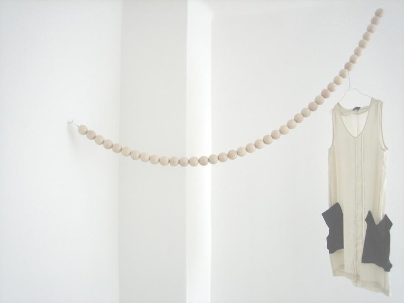 The Minimalist Home x Design fürs Heim x Snake beaded garland
